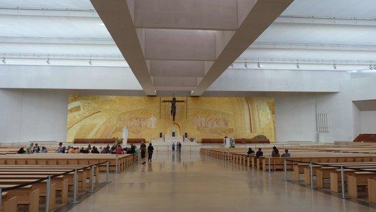 O Milagre De Fatima   Museu Interativo: Inside The Modern Church