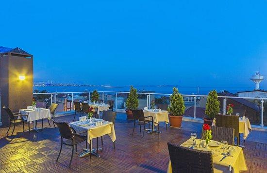 Almina Hotel: Terrace Cafe&Bar