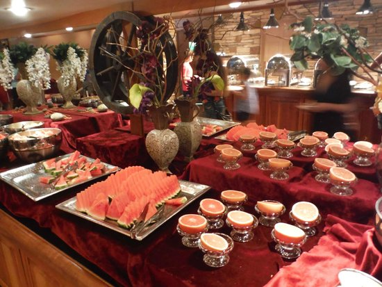 Harrison Hot Springs Resort & Spa: breakfast