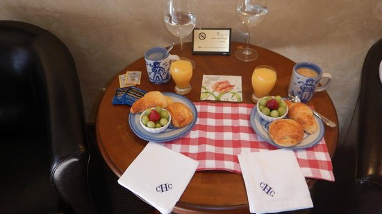 Hotel Chateau Chamonix: A continental breakfast is delivered to the room - it was delicious!