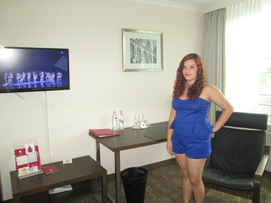 Leonardo Hotel Hamburg City Nord: Room