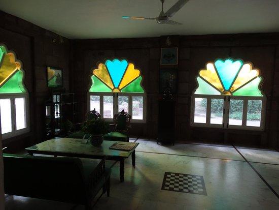 WelcomHeritage Bal Samand Lake Palace : Reception area