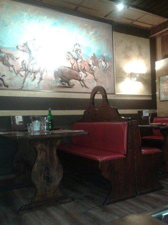 Pizzeria La Brace: Locale interno