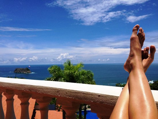 Parador Resort and Spa: Relaxing on Balcony