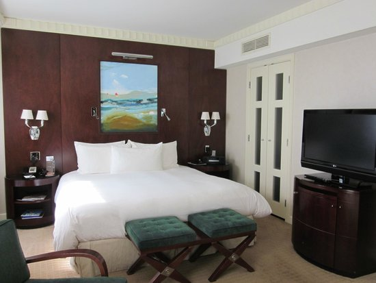 Sofitel Washington DC: 1st room - deluxe king