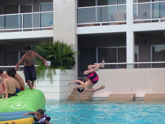 Paradisus Playa Del Carmen La Esmeralda: Flipping over this hotel.