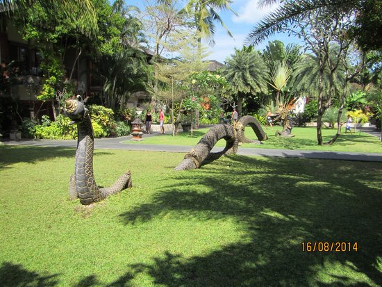 Padma Resort Legian : beautiful gardens