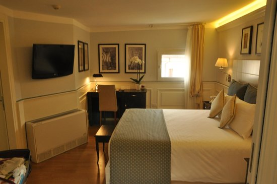 Hotel Bologna: Part of the 2 Room Suite