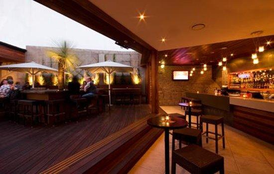 Coopers Hotel: Rooftop Garden & Cocktail Bar