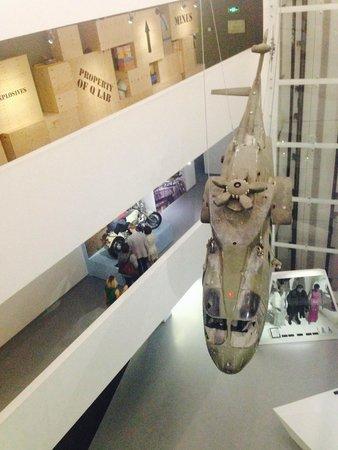 Multimedia Art Museum : Настоящий вертолет из фильма про Джеймса Бонда
