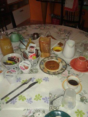B&B TreDomus : Evviva la colazione