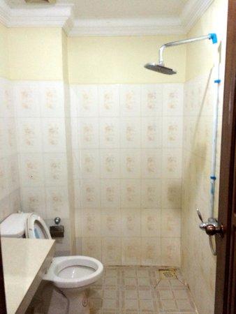 Angkor Secret Garden Hotel: WC mit Dusche