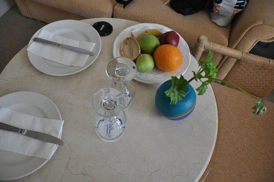 Coral Beach Hotel & Resort: Комплимент от отеля