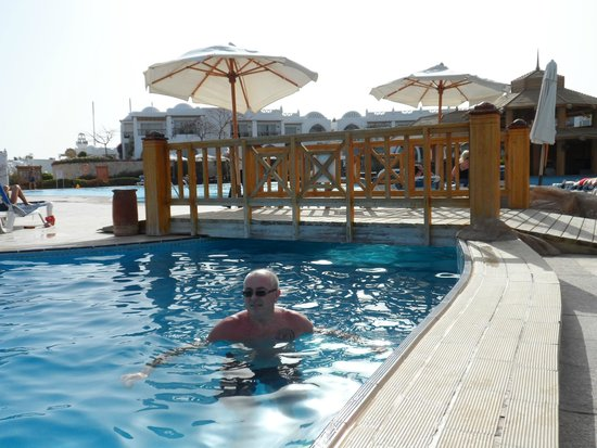 Cyrene Grand Hotel: One of the pools