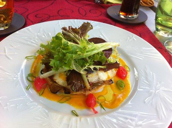 Auberge l'Espérance: fish tart starter