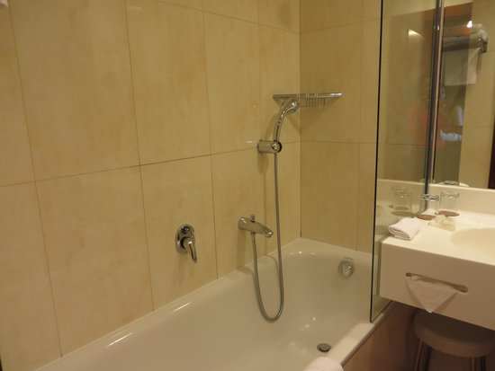 Jalta Boutique Hotel: Neat and clean bathrooms