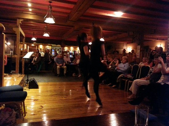 The Burren Castle Hotel : Live entertainment in the bar