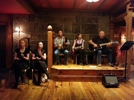 The Burren Castle Hotel: Live entertainment in the bar 2