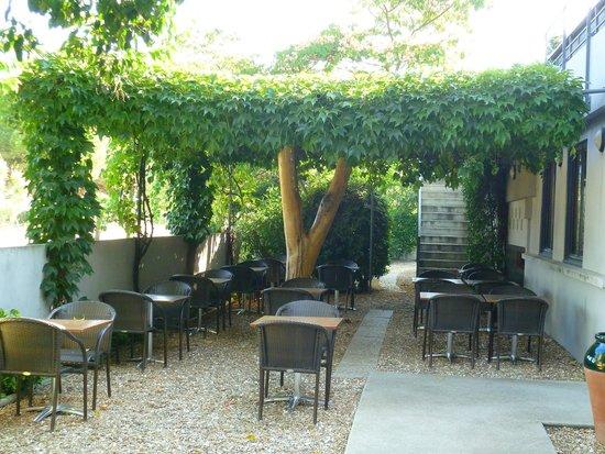Hotel Canal: terrasse petits déjeuners