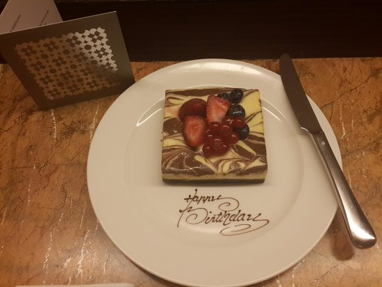 Hotel ICON: The cake for my husbands brithday.