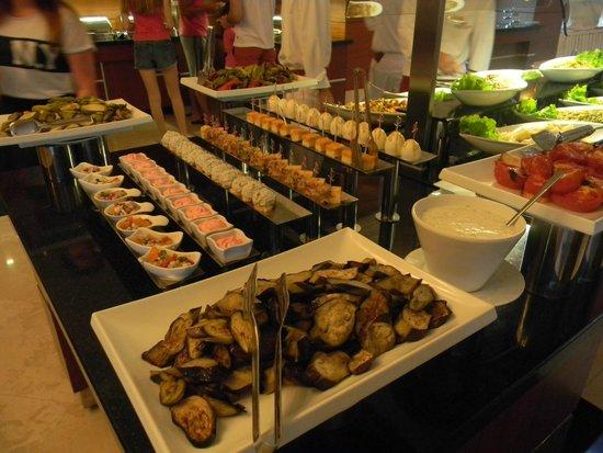 Crowne Plaza Hotel Antalya: Ужин