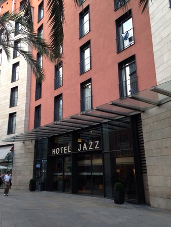 Hotel Jazz: Exterior