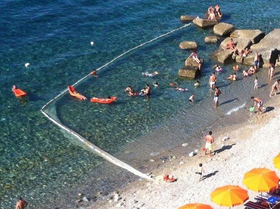 Lido Chianalea Scilla : Barriera anti meduse