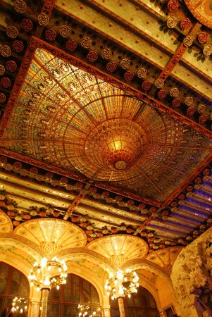 Palau de la Musica Orfeo Catala: the amazing ceiling