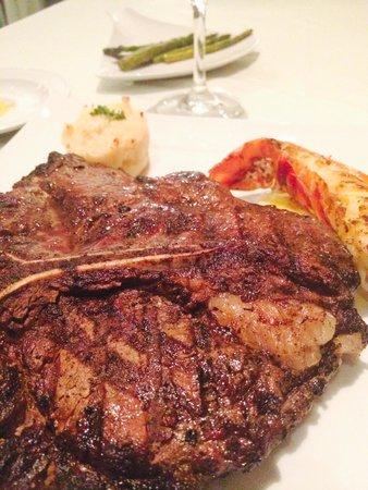 Iberostar Grand Hotel Rose Hall: Steak at Surf n Turf