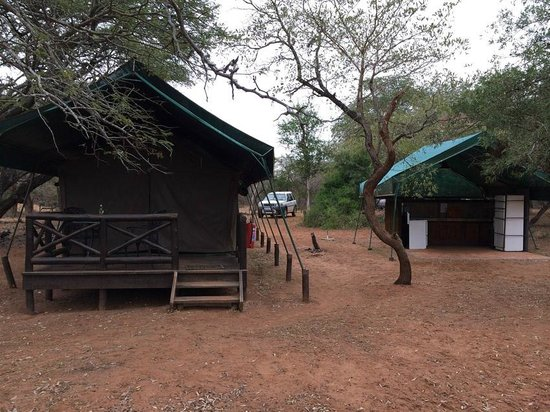 Mantuma Rest Camp : Bedroom and Kitchen are separate