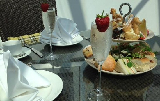 Grand Harbour Hotel: Champagne Afternoon Tea