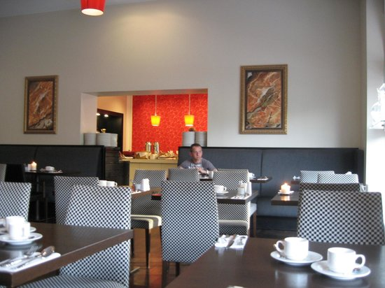 Scandic Palace Hotel : The breakfast room (the buffet tables at the other room further behind)
