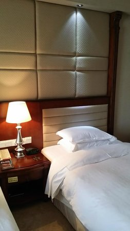 Sheraton Guilin Hotel: Bed