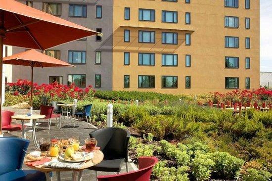 Novotel Suites Paris Roissy CDG : TERRASSE