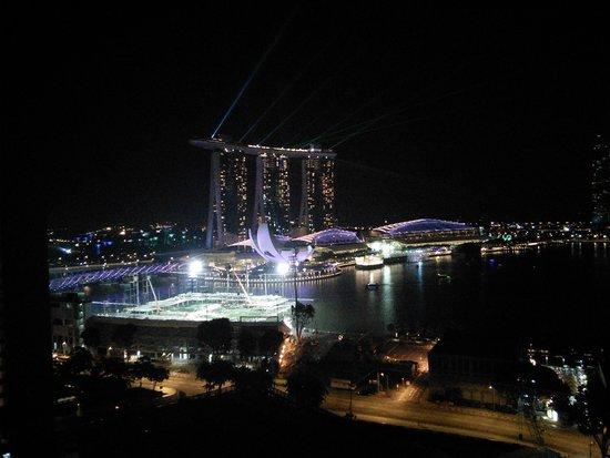 Marina Mandarin Singapore: light show