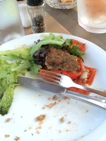 Comptoir Des Arts : Probably they cooked it yesterday. Awful place and worst food in Luberon.