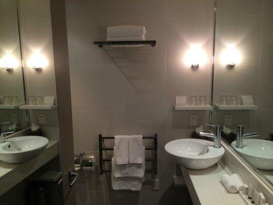 Rendezvous Hotel Christchurch: Bathroom basin