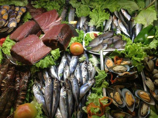 Marisqueira O Barqueiro: Fridge of sea products
