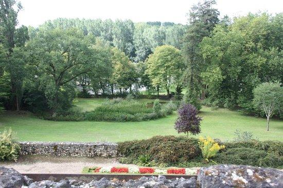 Chateau de Vaugrignon : Vue depuis le château