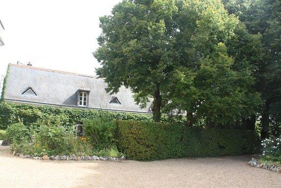 Chateau de Vaugrignon : la longère