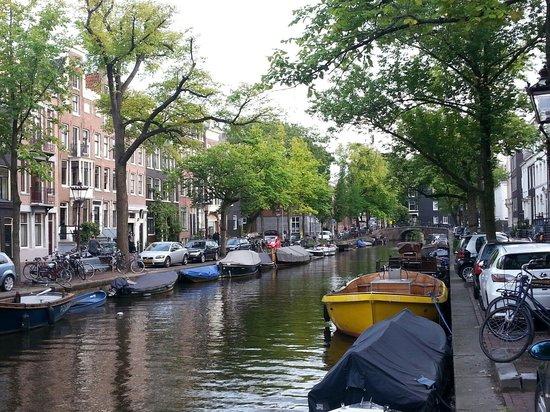 Prinsenstede Lodging Amsterdam: Dieci passi dalla camera.