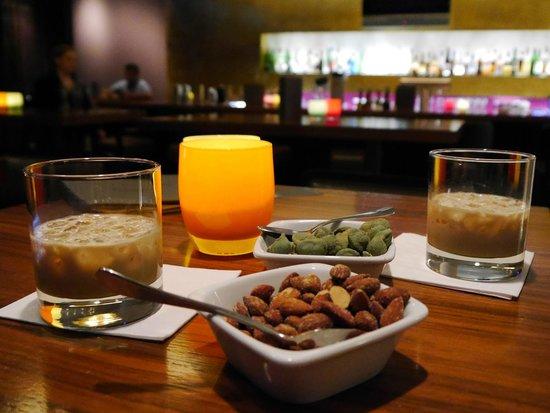 The Madison Hamburg: Bar Area