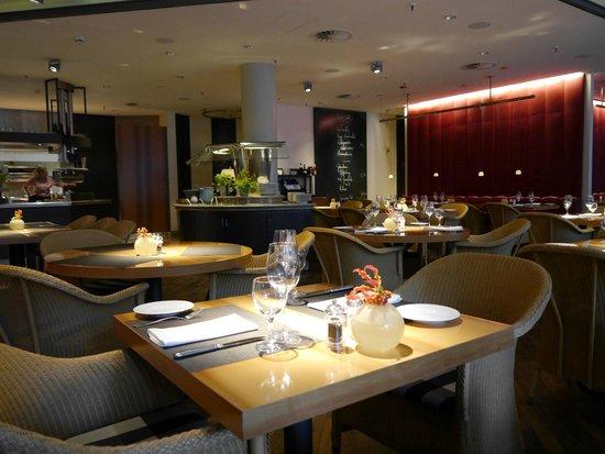 The Madison Hamburg: Resturant