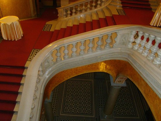 Hungarian State Opera House (Magyar Allami Operahaz) : staircase
