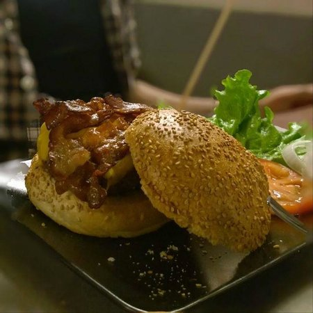 Doc - The Burger House: Hamburger