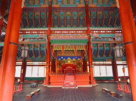 Gyeongbokgung : Throne room