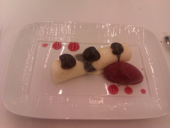 Le Millénaire : dessert cerise au porto vanille