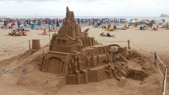Presidente Hotel: sand sculpture