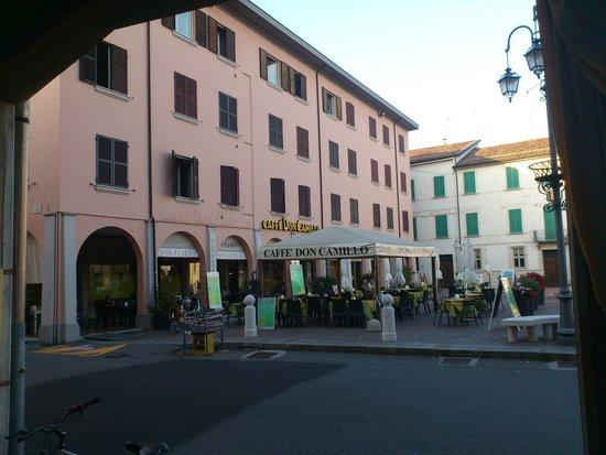 Caffe Don Camillo: Blick vom Caffe Peppone aus