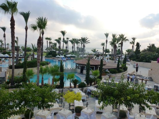 Elysium Hotel : piscine le jour...